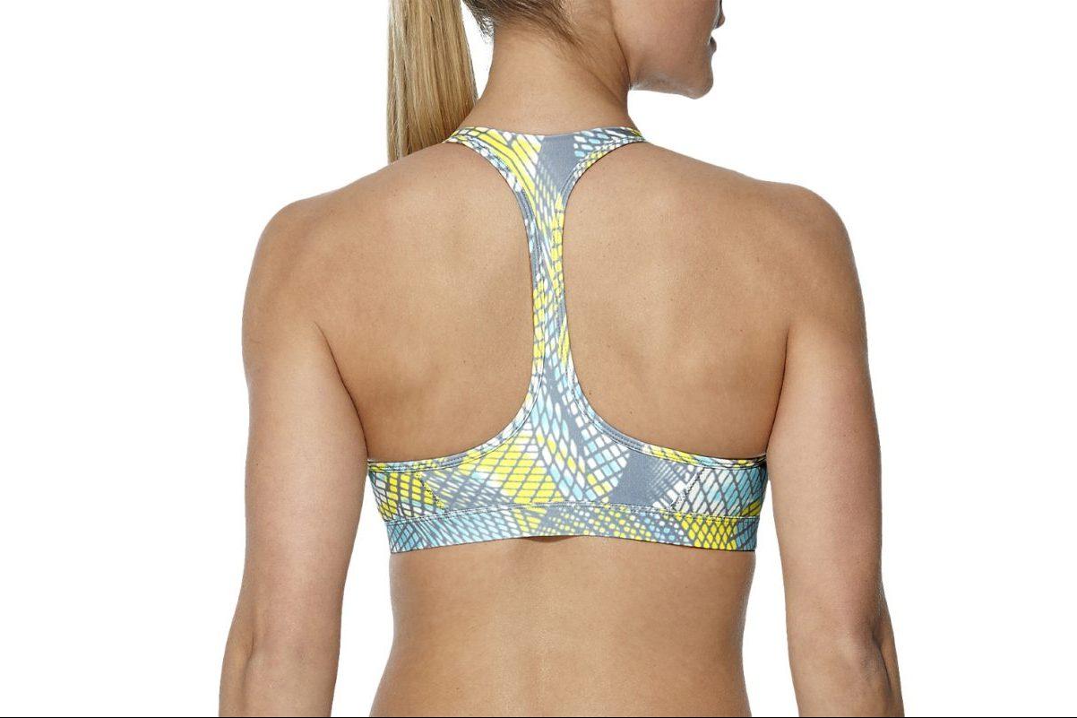 Der schmale Racerback-Rücken macht jede Bewegung mit