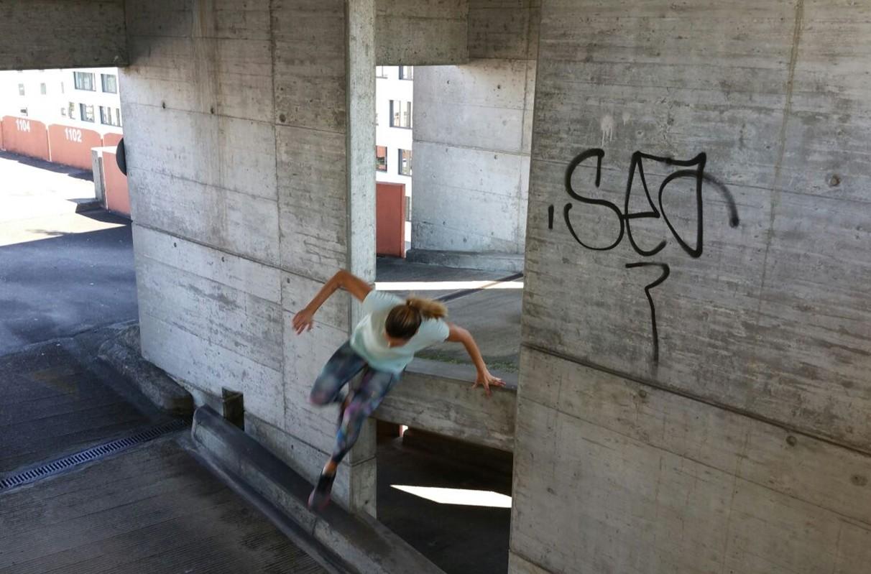 Mimi springt