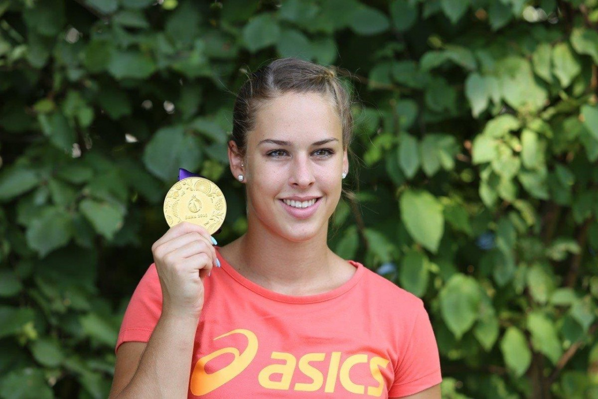 Giulia mit Medaille