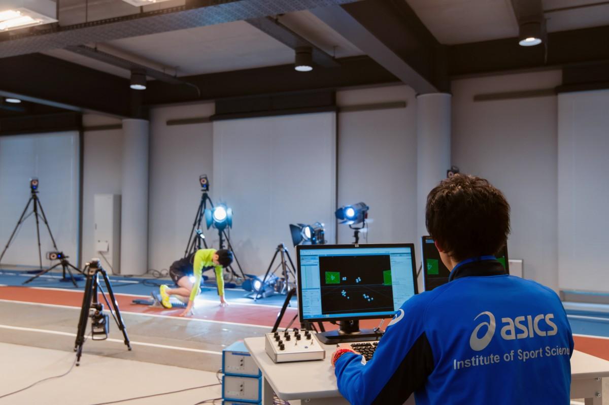 Hochgeschwindigkeitskameras, Hi-Tech-Messinstrumente und ausgefeilte Software