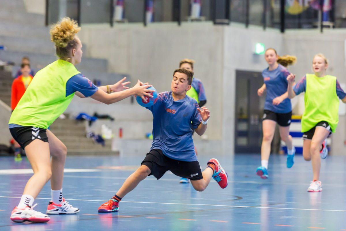 Das schnelle Zusammenspiel ist das A und O beim Handball
