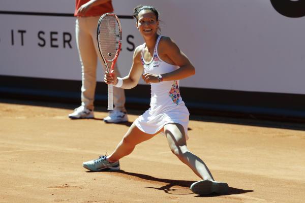Viktorija Golubic nach dem Halbfinalsieg gegen Rebeka Masarova in Gstaad (KEYSTONE/Peter Klaunzer)